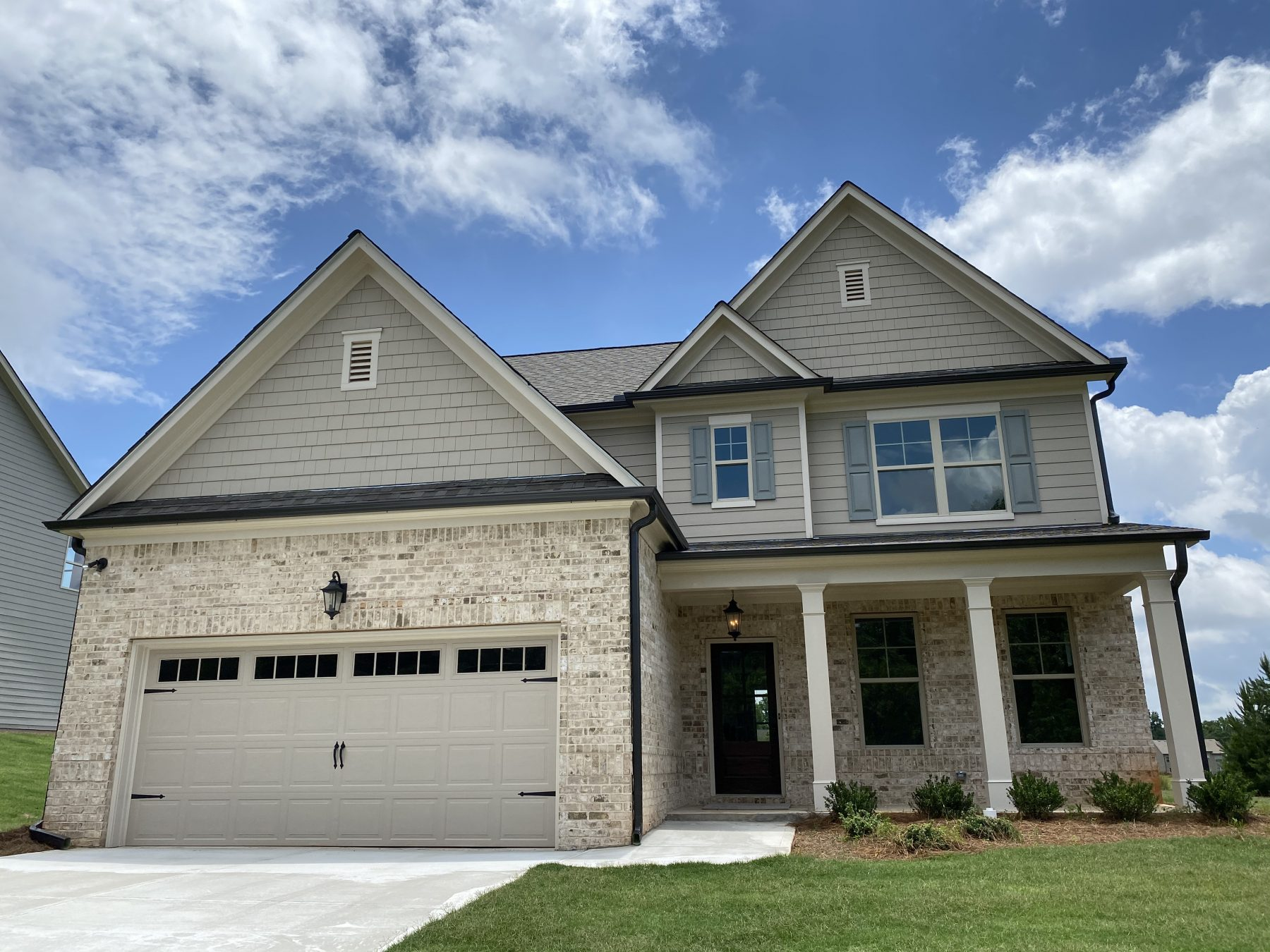 new home exterior in Traditions of Braselton